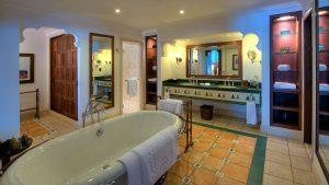 003381-10-guest-bathroom